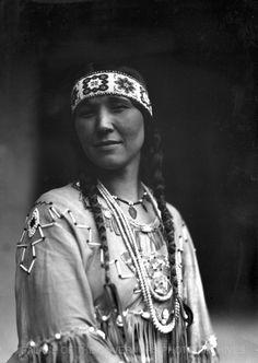 Tsianina, Cherokee Singer  Fiesta, Santa Fe, New Mexico - 1925  Negative #007894