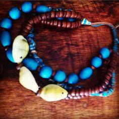 Meu bracelete, um presente da minha amiga Rozanna lynch/My bracelet, a gift from my friend Rozanna lynch. <3 <3 <3