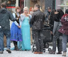 Elizabeth, Georgina, Lana, Josh and Ginnifer on the set - 4 * 10 Behind the scenes. 22 October 2014