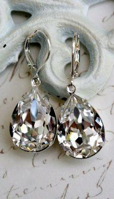 ♥︎Tear drop earrings!