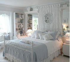 Hola Chicas!!! En esta ocasion les tengo el como decorar tu casa en estilo Shabby Chic, en color azul cielo, trata de comprar muebles tradicionales, y añadirles muebles antiguos para darles ese toque, especial estilo Shabby Chic,