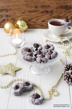 Amaretti al cacao con crema al cioccolato