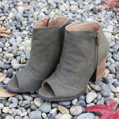 Windsor open-tie booties Ankle Booties, Bootie Boots, Restricted Shoes, True Grit, Bow Flats, Over The Knee Boots, Leather Heels, Windsor, Block Heels