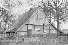 Rossum, kleine boerderij, deels vakwerk, aan de Boschweg 7. Rijksmoniment