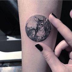 Inspiration : Tatouage. Eva Krbdk. Mini biche. #adorable #surlebras @evakrbdk…