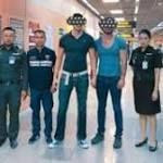 Bangkok photo: US tourists held for baring buttocks at Thai temple http://ift.tt/2BlI0ao