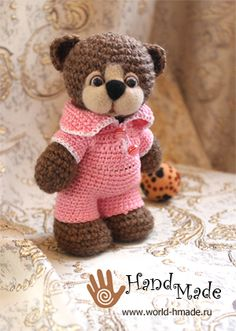 Watch This Video Incredible Crochet a Bear Ideas. Cutest Crochet a Bear Ideas. Crochet Teddy, Crochet Amigurumi, Crochet Bear, Love Crochet, Amigurumi Doll, Crochet Animals, Crochet For Kids, Crochet Dolls, Crochet Toys Patterns