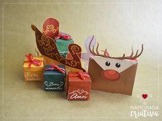Mais um mimo de Natal pra gente fazer e amar♥ A ideia é entregar uma cartinha desejando Feliz Natal e agradecendo pelo ano de forma mais criativa. Adivinha quem traz a cartinha? Uma rena! E adivinha o que mais ela traz? Um trenó cheinho de amor, felicidade, surpresas e bons momentos♥  Materiais -Cola -Tesoura -Fitas de presente -Confetes -Balinhas ou chocolatinhos -Fotos 3x3 impressas do casal -Papel colorido (opcional) -Moldes impressos  MOLDE >>> Trenó do nosso amor<<< ...