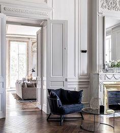 Parisian apartment with chevron floor. parisian apartment with chevron floor modern french Interior Design Inspiration, Home Interior Design, Interior Architecture, Interior Decorating, Design Ideas, Decorating Tips, Interior Doors, Design Trends, Classic Architecture