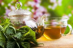 Nettle Tea health benefits includes treating muscle pain, promoting cardiovascular health, maintaining kidney health, a detoxifier and improving digestion. Les Allergies, Seasonal Allergies, Top 10 Home Remedies, Natural Remedies, Leg Cramps At Night, Best Herbal Tea, Herbal Teas, Allergy Remedies, Kidney Health