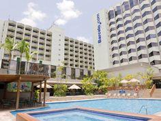 L'hôtel Barceló Guatemala City se trouve dans le centre-ville de Guatemala City, au cœur du quartier. Cet hôtel 5 étoiles compte des chambres élégantes, disposant d'Internet à haut débit et de toutes les commodités nécessaires pour assurer la réussite de votre voyage