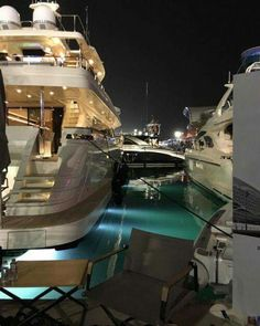 best luxury cars for her - Sports cars - Lebensraum Luxury Boat, Best Luxury Cars, Luxury Yachts, Boujee Lifestyle, Vacation Resorts, Rich Girl, Luxury Living, Life Is Good, Relax