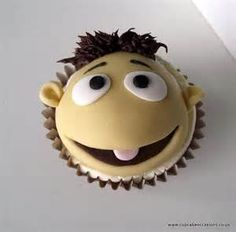 The Muppets, Walter cupcake