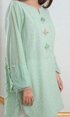 Kurti Sleeves Design, Kurta Neck Design, Sleeves Designs For Dresses, Sleeve Designs, Fancy Dress Design, Stylish Dress Designs, Simple Pakistani Dresses, Pakistani Dress Design, Kurta Designs Women