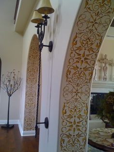 Painting Columns and Foyers - Intricate and Detailed Arabesque Border Stencils - Classic Border Stencils for Walls, Columns, and Ceilings - Royal Design Studio/ I have never thought of doing the inside of my curved entry way. Plafond Design, Decoration Inspiration, Decor Ideas, Room Ideas, Theme Ideas, Wall Ideas, Color Inspiration, Gift Ideas, Interior Decorating