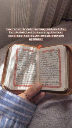 Pray Quotes, Hadith Quotes, Quran Quotes Inspirational, Quran Quotes Love, Muslim Quotes, Reminder Quotes, Self Reminder, Mood Quotes, Quran Wallpaper