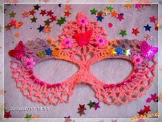 Val & Arts: Carnival Mask in Crochet