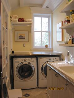 Nice usable space without a large footprint.  Laundry Room +small Design, Pictures, Remodel, Decor and Ideas