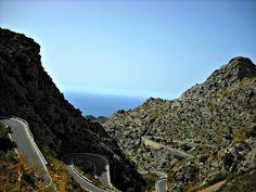 Road in Sierra de Tramontana Mountains, Mallorca  #isadoreapparel #roadisthewayoflife #cyclingmemories
