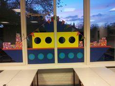 Raamversiering. Kindergarten, Window Art, Working With Children, Kids Playing, Crafts For Kids, December, Seasons, Holiday, Diy