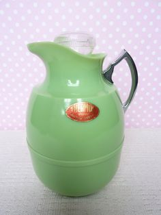 Green Art Deco thermos
