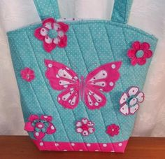 Polka Dot Butterfly Tote ( Embroider A Beautiful Applique Butterfly And Free Standing Flowers With Polka Dot Fabric For Spring Freshness On This Lovely Tote. Embroidery Services, Embroidery Software, Machine Embroidery Patterns, Custom Embroidery, Embroidery Thread, Embroidery Applique, Polka Dot Fabric, Cotton Quilts, Handmade Bags