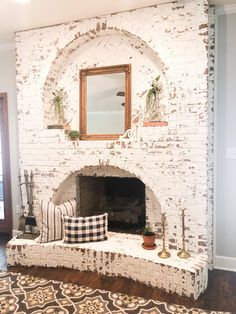 More, grandes Awesome 43 Rustic Brick Chimney Living Room Decoration Ideas. Brick Fireplace Makeover, Small Fireplace, Farmhouse Fireplace, Home Fireplace, Living Room With Fireplace, Fireplace Design, Living Room Decor, Living Rooms, Fireplace Ideas