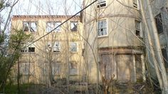 Abandoned McNeal Mansion in Burlington, New Jersey. The mansion was abandoned in the 1980s after being used as a restaurant for several years. It may be torn down to make way for condos soon.