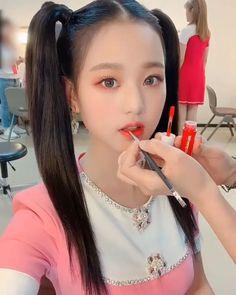 Aesthetic Girl, Aesthetic Clothes, Kpop Girl Groups, Kpop Girls, Jang Wooyoung, Beautiful Young Lady, Digital Art Girl, Divas, China Girl