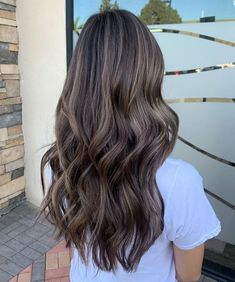 50 Trendy Brown Hair Colors and Brunette Hairstyles for 2020 - Hair Adviser Deep Brown Hair, Natural Brown Hair, Honey Brown Hair, Short Brown Hair, Cool Tone Brown Hair, Brown Hair Tones, Ash Brown Hair Balayage, Dark Hair With Highlights, Hair Color Balayage