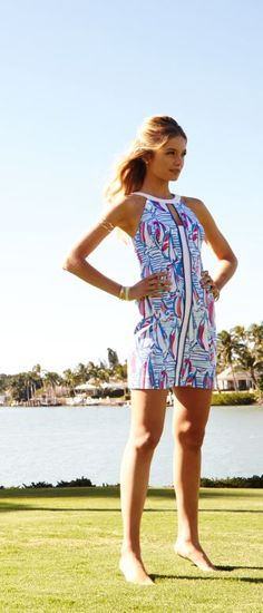 The Lilly Pulitzer Pearl Shift Dress has a slimming line that elongates your figure and draws the eye to the gorgeous print. LOVE. And sailboat prints for DAYS.