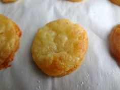 The Cooking Actress: Homemade Cheddar Cheese Crackers (Cheez-Its) Cheddar Cheese Puffs Recipe, Homemade Cream Cheese Recipe, Cheese Cracker Recipe, Cheese Biscuits, Cream Cheese Recipes, Baking Recipes, Snack Recipes, Breakfast Recipes, Pretzel Cheese