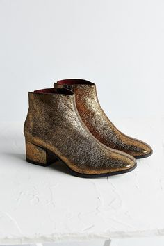 Vagabond Daisy Metallic Ankle Boot. THEY DON'T HAVE MY SIZE