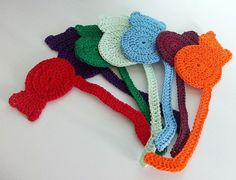 20+ Crochet Bookmark Patterns for Every Skill Level--> Cat Bookmark FREE Crochet Pattern.