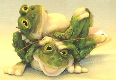 Fancy Free The Frogs Figurine – New – 3"
