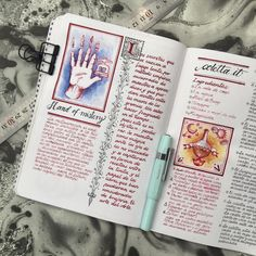 "lacreativista:  ""La Creativista. Art journaling and bookbinding.  """