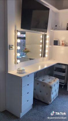 Teen Room Decor, Room Ideas Bedroom, Bedroom Decor, Teenage Room, Home Board, Room Goals, Beauty Room, Dream Rooms, New Room