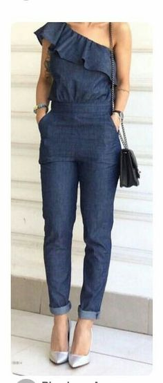 What to wear with jeans jumpsuit 50 best outfits Mode Outfits, Casual Outfits, Summer Outfits, Fashion Outfits, Denim Romper, Jeans Jumpsuit, Jumpsuit Outfit, Outfit Jeans, Cooler Look