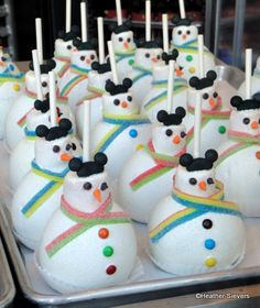 snowman pictures | Dining in Disneyland: Holiday Treats | the disney food blog