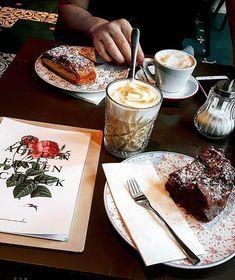 Du bist aus Graz oder immer mal wieder hier? Wir präsentieren dir die besten Cafés in Graz für dein nächstes Coffee-Date. Coffee Date, Perfect Date, The Expanse, Dating, Croatia, Austria, Ivy, Ethnic Recipes, Horse