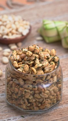 Tujin Peanut is a seasoned nut that has a savory taste and salty flavor with a smell of celery. Can be served during Eid at the feast, can also be made as a healthy daily snack. Very easy to create and of course your family would love it. Peanut Recipes, Spicy Recipes, Cooking Recipes, Peanut Snacks, Eid Recipes, Mexican Rice Recipes, Cooking Tools, Curry Recipes, Indian Dessert Recipes