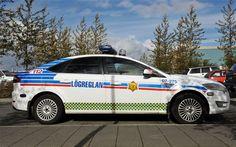 Iceland police car.