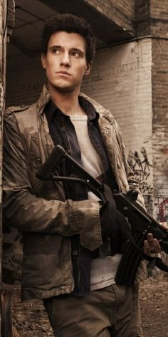 Drew Roy as Hal on falling skies. How can anyone call me stupid by watching this show with drew and Connor in it?!?! :D