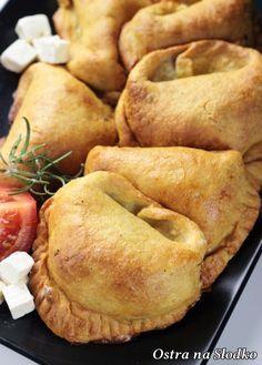 Potato dumplings with chicken filling Feta, Best Pumpkin Bread Recipe, Great Recipes, Favorite Recipes, Polish Recipes, Empanadas, Food Inspiration, Appetizer Recipes, Food Porn