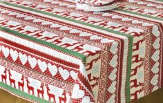 Nordic-Reindeer-and-Snowflakes-132cm-x-178cm-Christmas-Tablecloth