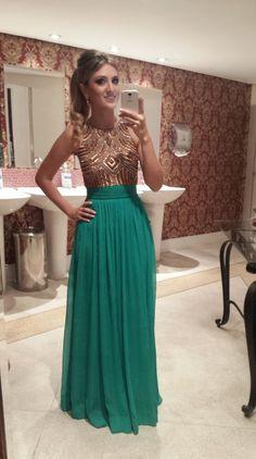Look da blogueira: vestido de madrinha verde e dourado - Madrinhas de casamento