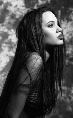 Fashion - Young Angelina Jolie - hair