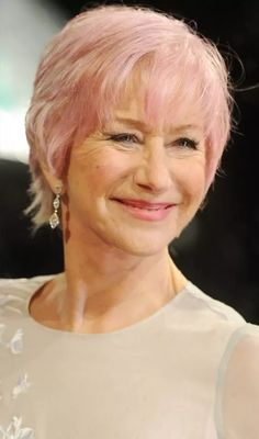 Hairstyles Helen Mirren Pink Hair Simple Modern Style , This Style Is Called Shag Hairstyle Using Thinning Scissor Will Give A Sharp Look Some Simple And Pretty Hairstyle Pictures For Women Over 50 With Helen Mirren Hairstyles Modern Short Hairstyles, Shag Hairstyles, Hairstyles Over 50, Popular Hairstyles, Pretty Hairstyles, Stylish Hairstyles, Haircuts, Short Cropped Hair, Very Short Hair