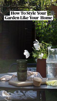 Black Fence Paint, White Flowering Plants, Garden Sitting Areas, Scandinavian Garden, Patio Decorating Ideas On A Budget, Porch Decorating, Coastal Gardens, Covered Pergola, Backyard For Kids
