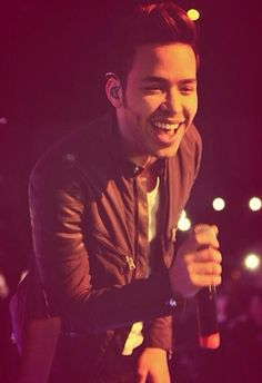 I might not be Mexican.. Or speak Spanish all of the time or know everything to say but I love prince Royce!! ❤️